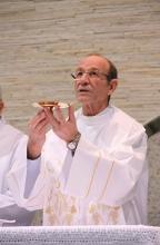 Vigário Paroquial - Padre Roberto Lessa